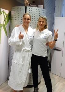 Karate Weltmeisterin Alisa Buchinger besicht CryoVit in Salzburg
